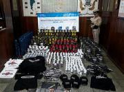 Prefectura Naval Argentina - Secuestramos 640 frascos de suplementos vitamínicos de contrabando en Misiones