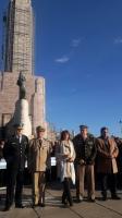 Prefectura Naval Argentina - El Prefecto Nacional Naval asistió junto a la Ministra al acto por el día de la bandera en Rosario